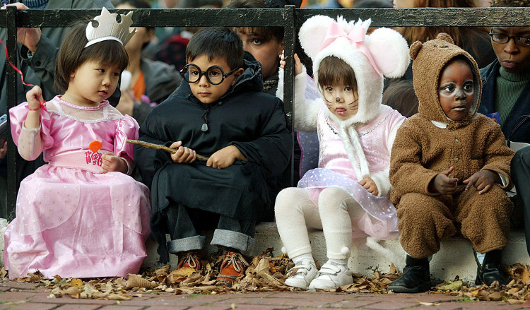 Halloween safety tips for fun and safe trick-or-treating! • Kaju's ...